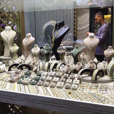 ویترین جواهر فروشی دکور گالری لوکس و شیک