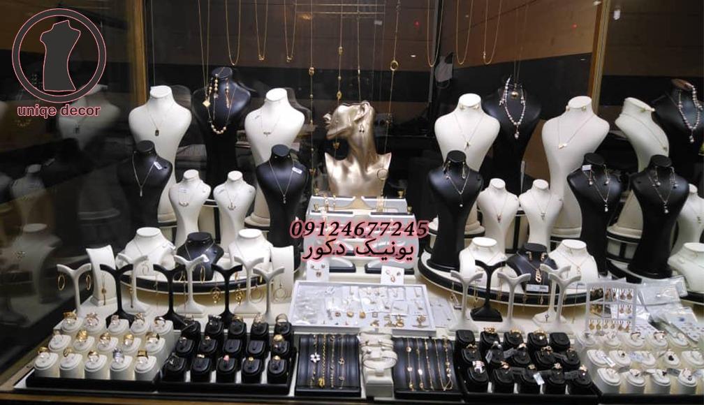 دکور طلا مانکن طلافروشی ویترین جواهر ماکت طلا فروشی سفارش ساخت مانکن پیشخوان طلافروشی